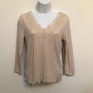 Almost Famous Large Lightweight Sweater